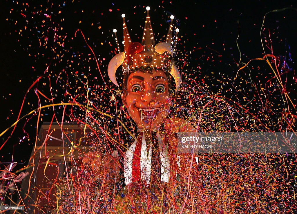 The King's float parades during the Nice carnival parade, on February 15, 2013 in Nice, southeastern France. The Carnival, starting from February 15 until March 6, 2013, will celebrate the 'King of the five continents', marking the 140th anniversary of the French Riviera Nice carnival. AFP PHOTO / VALERY HACHE