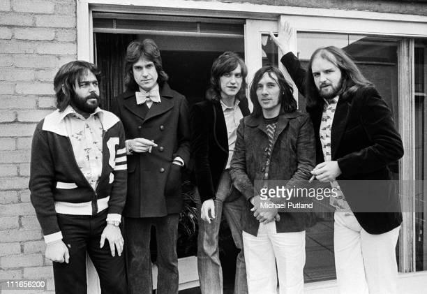 The Kinks group portrait London LR John DaltonRay DaviesDave DaviesMick AvoryJohn Gosling