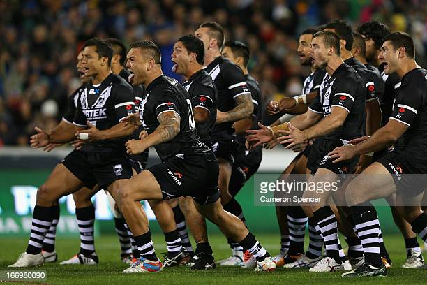 The Kiwis perform the Haka during the ANZAC Test match between the Australian Kangaroos and the New Zealand Kiwis at Canberra Stadium on April 19...