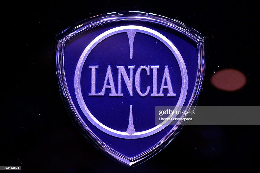 Auto Car Lancia Logo Stock Photos & Auto Car Lancia Logo Stock ...