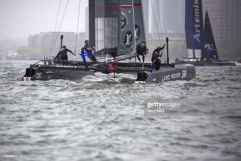 The Land Rover Ben Ainslie Racing, left, and Artemis Racing, right, catamarans sail during practice for the Louis Vuitton America's Cup World Series sailing races in New York, U.S., on Friday, May 6, 2016. The America's Cup sailing races are held in New York City on the Hudson River for the first time since 1920. Photographer: Michael Nagle/Bloomberg via Getty Images