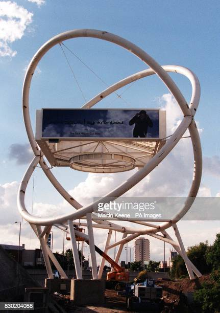 The latest addition to an everchanging London skyline Two interlocking circles form a massive urban sculpture that is home to four 96 sheet...
