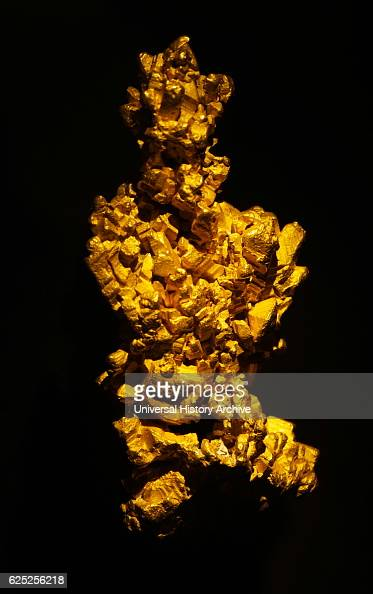 The Latrobe nugget the largest clusters of cubic gold crystals currently known Dated 19th Century
