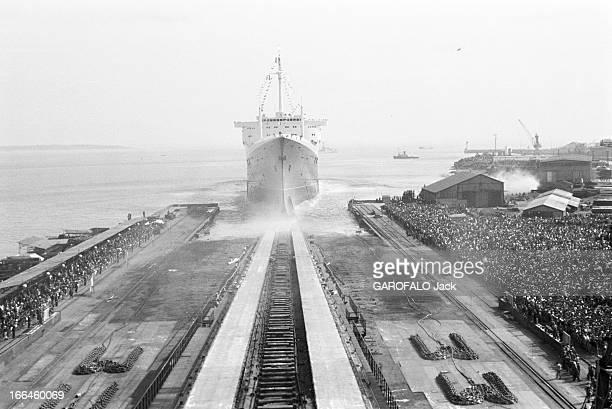 The Launch Of Transatlantic Liner 'France' In SaintNazaire France SaintNazaire 11 mai 1960 le paquebot transatlantique 'France' fut construit aux...