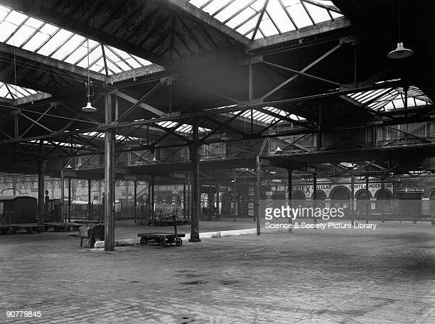 The 'Lawn' at Paddington station London 13 January 1923 Official Great Western Railway photograph showing the area known as the Lawn the circulating...