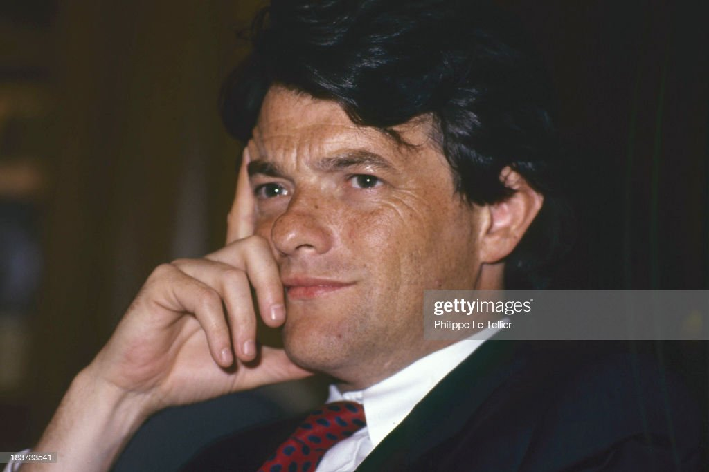 The lawyer Jean Louis Borloo during a dinner in Paris, France in 1989 (Photo by Philippe Le Tellier / Getty Images)L'avocat Jean Louis Borloo au cours d'un diner à Paris en France en 1989,