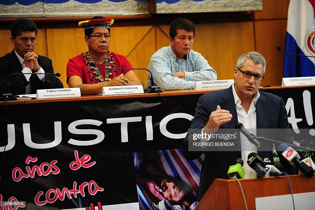 The lawyer of Ecuadorean people affected by Texaco-Chevron --who have long sought compensation for pollution between the 1970s and early 1990s-- Steven Donziger, speaks during a press conference on March 19, 2014 in Quito. Earlier this month, a US judge upheld Chevron's allegations that an Ecuadoran court decision ordering it to pay $9.5 billion for oil pollution in the Amazon jungle was fraudulently obtained. Donziger announced they will appeal against this decision.