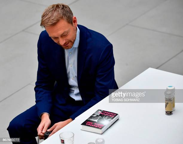 The leader of Germany's free democratic FDP party Christian Lindner arrives for a press conference to present his latest book 'Schattenjahre' in...