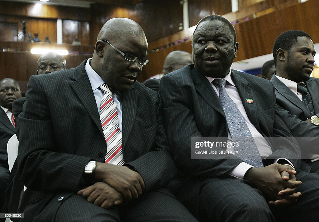 African Leaders Debate Zimbabwe Crisis, Without Mugabe