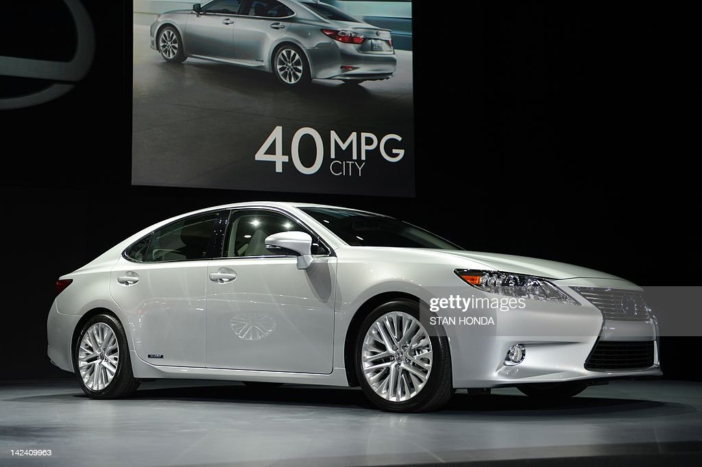 The Lexus ES 3ooh hybrid is on display during the first day of press previews at the New York International Automobile Show on April 4, 2012 in New York. AFP PHOTO/Stan HONDA