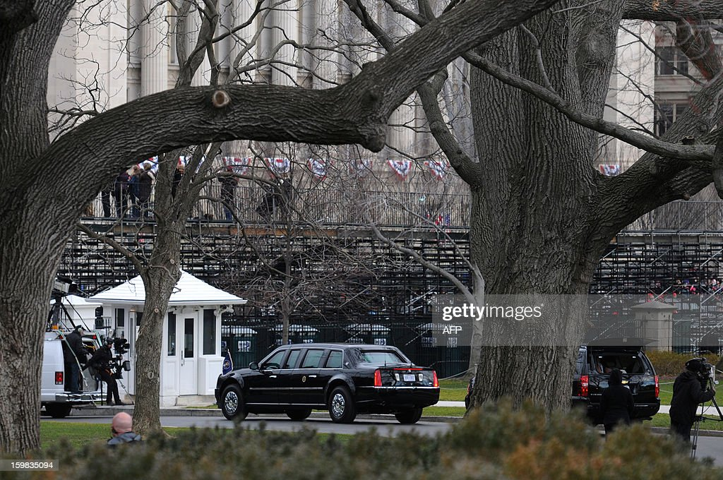 The limousine carrying US President Barack Obama and his family leaves the White House on January 21, 2013 for the US Capitol in Washington, DC, for the ceremonial swearing in of the president and vice president to a second term in office. AFP PHOTO/Rod LAMKEY, JR.