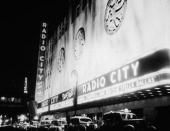 The litup exterior of the Radio City Music Hall in New York