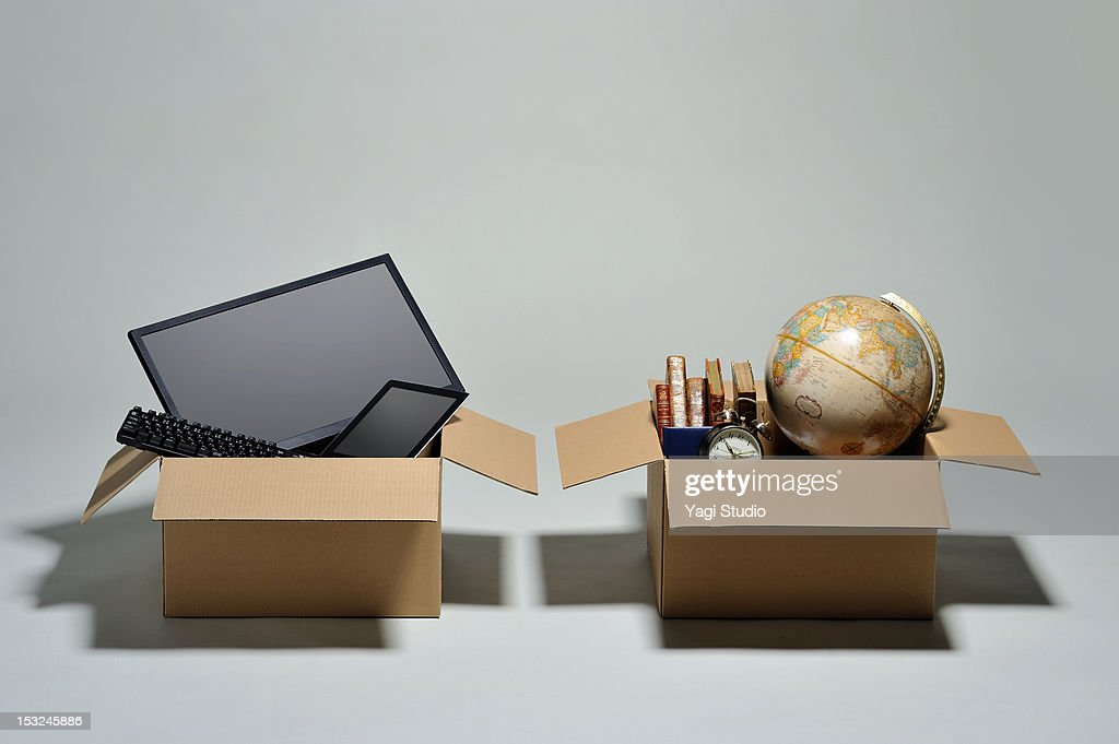 The load separating to a cardboard box : Stock Photo
