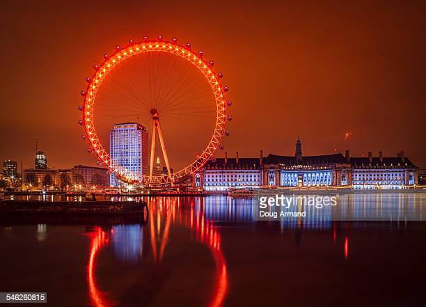 The London Eye and County Hall in theearly morning