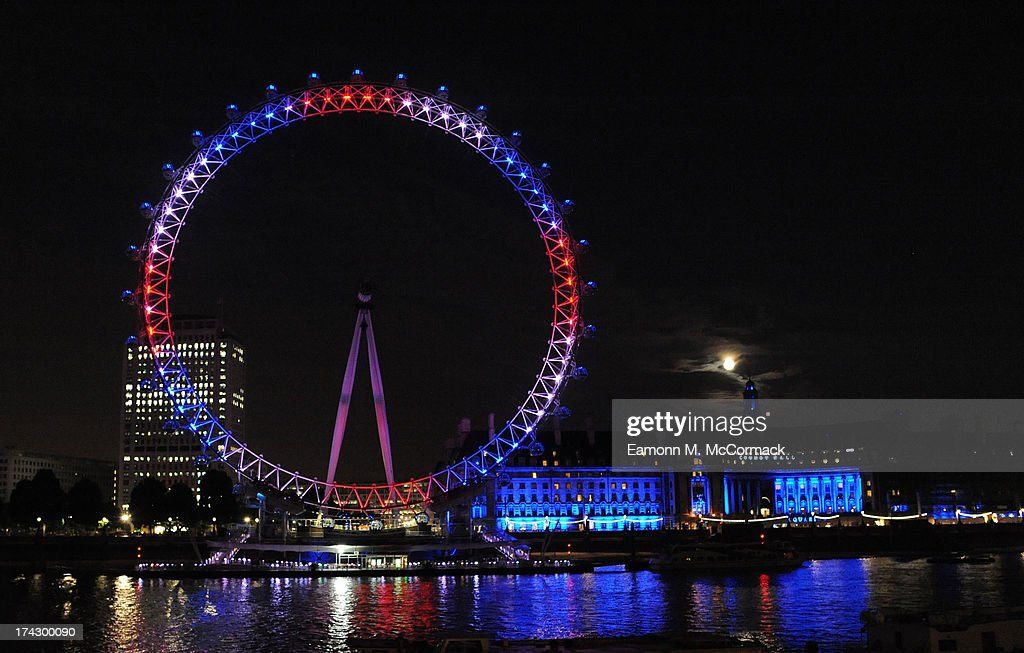 The London Eye is lit to celebrate The Duke and Duchess Of Cambridge's newborn son on July 23, 2013 in London, England. The Duchess of Cambridge yesterday gave birth to a boy at 16.24 BST and weighing 8lb 6oz, with Prince William at her side. The baby, as yet unnamed, is third in line to the throne and becomes the Prince of Cambridge. .