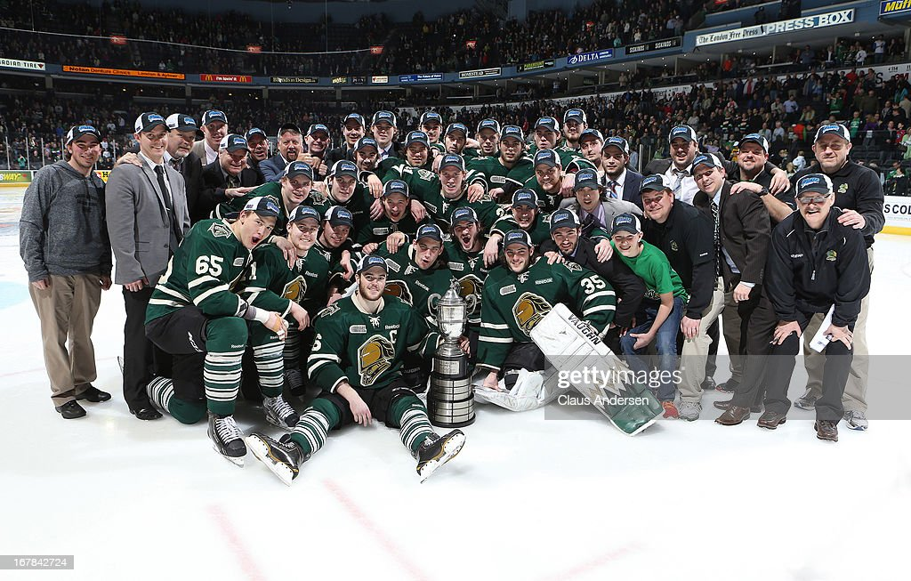 The London Knights pose with the Wayne Gretzky trophy after winning the Western Conference Final against the Plymouth Whalers on April 26, 2013 at the Budweiser Gardens in London, Ontario, Canada. The Knights defeated the Whalers 5-4 in overtime to win the series 4-1.