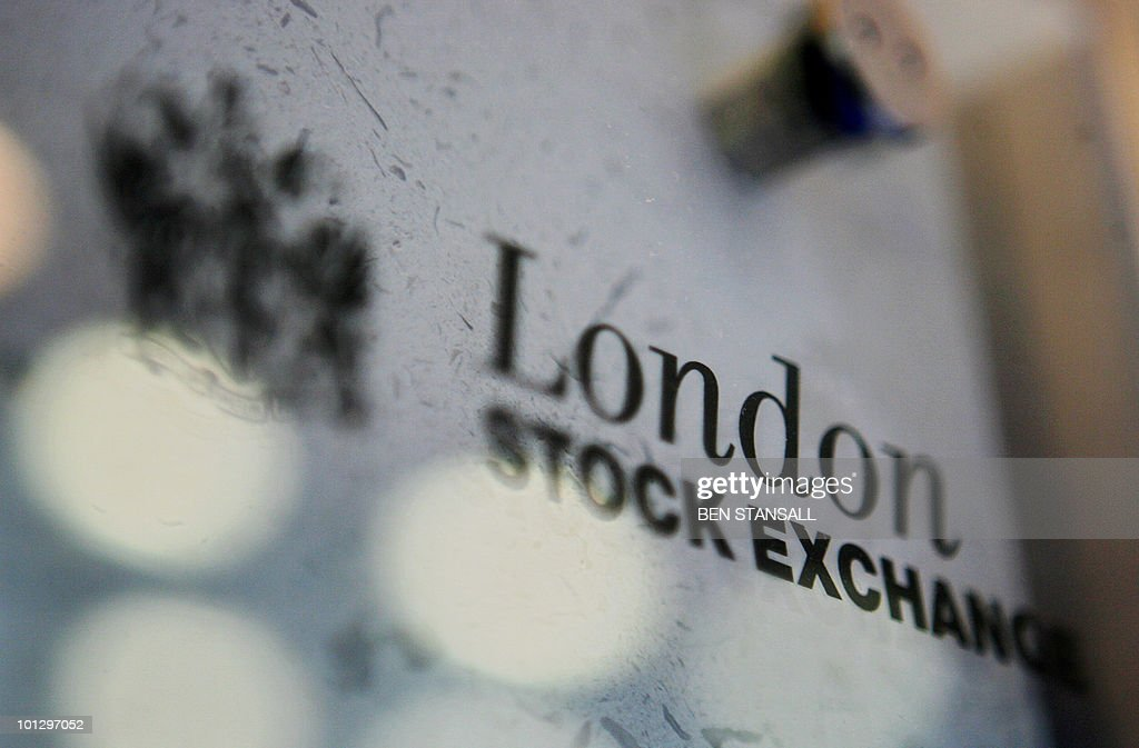 The London Stock Exchange logo is pictured in London, 17 March 2006. The US Nasdaq stock exchange Monday 20 November 2006 launched an improved takeover bid for the London Stock Exchange worth 2.9 billion pounds in a further sign that US financial companies are muscling into the European share trading sector. The increased bid, equivalent to 4.3 billion euros or 5.5 billion dollars, represents a 20.8-percent increase on Nasdaq's previous offer in March. Nasdaq, which was already the biggest shareholder in Europe's biggest stock market, added that it has snapped up another tranche of shares, taking its total LSE holding to 28.75 percent, from 25.1 percent previously. AFP PHOTO/BEN STANSALL