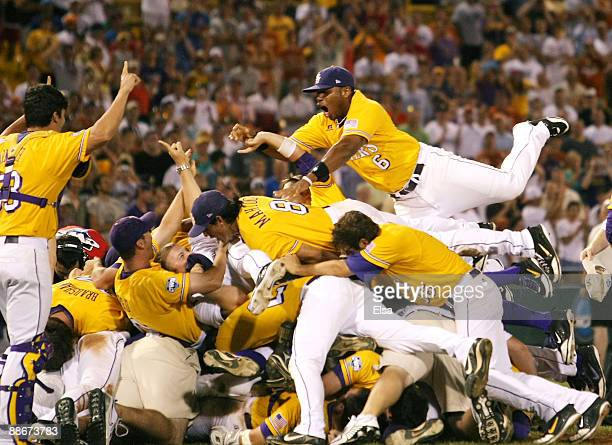 The Louisiana State University Tigers celebrate the win over the Texas Longhorns during Game 3 of the 2009 NCAA College World Series at Rosenblatt...