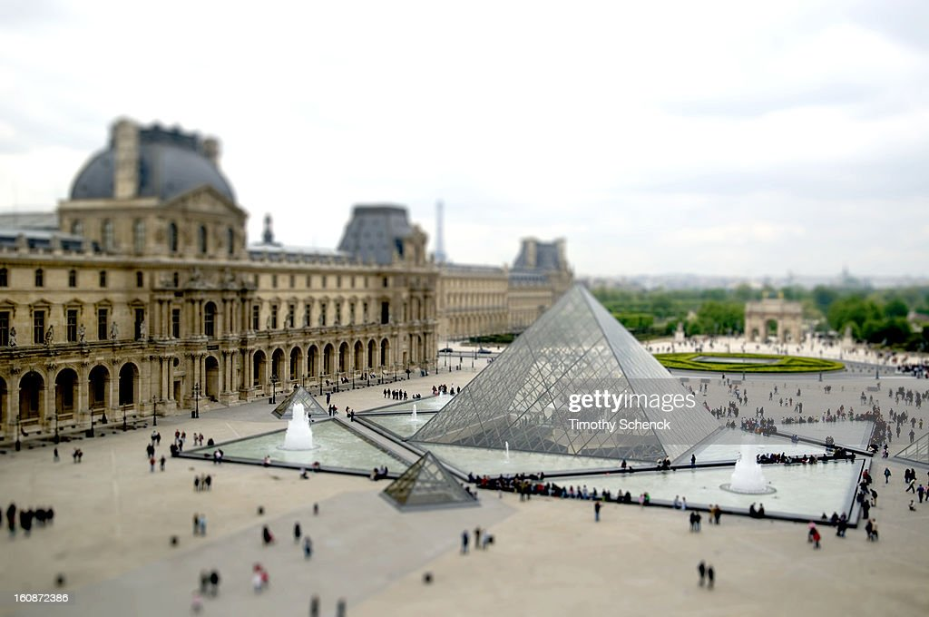 CONTENT] The Louvre Museum, Paris France, shot as a 'tilt shift miniature', April 2009.