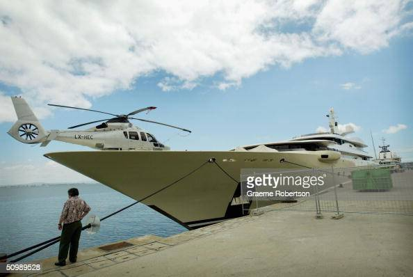 The luxury superyacht Pelorus of Russian billionaire and football magnate Roamn Abramovich is seen June 23 2004 in Lisbon harbour Portugal The...