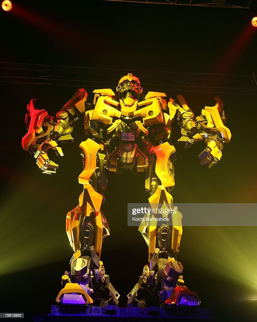 The main character robot Bumblebee attends the Japanese premiere of the action film 'Transformers' at Tokyo Big Sight East on July 24 2007 in Tokyo...