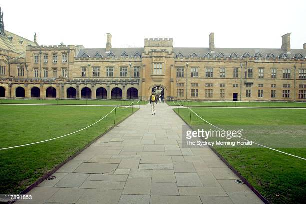 'The main quadrangle at Sydney University 8 July 2003 '