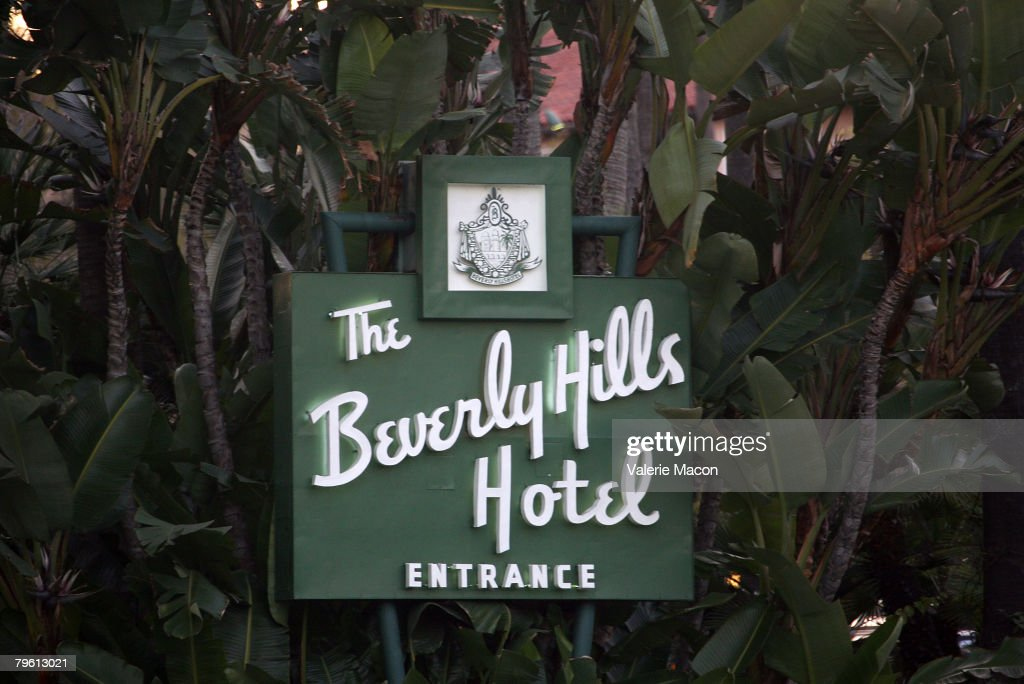 The main sign of the Beverly Hills Hotel where singer Britney Spears is staying after being released from UCLA Medical Center February 6 2007 in...