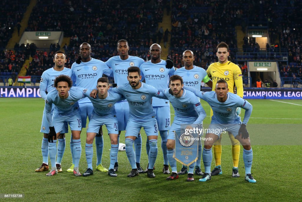 Real Madrid 2018-19 --Juventus / Man Utd Updates - Page 6 The-manchester-city-team-pose-for-a-photo-prior-to-the-uefa-champions-picture-id887153738