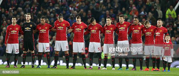 The Manchester United team take part in a minutes silence for the members of Chapecoense Football Club killed in an aeroplane crash ahead of the EFL...