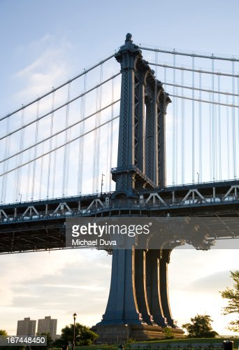 the manhattan bridge connecting manhattan brooklyn : Stock Photo