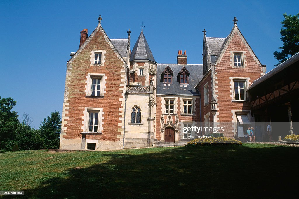 The Manoir du Cloux was built by Hugues d'Amboise in the reign of Louis XI The castle purchased by French King Charles VIII in 1490 became a royal...