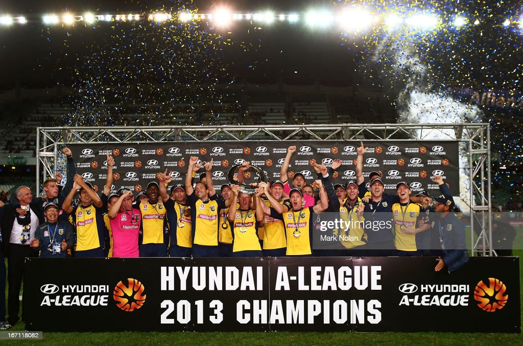 The Mariners celebrate winning the ALeague 2013 Grand Final match between the Western Sydney Wanderers and the Central Coast Mariners at Allianz...