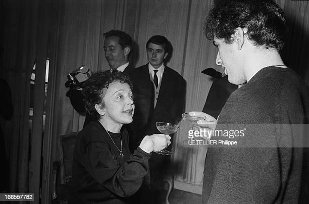The Marriage Edith Piaf And Theo Sarapo Edith PIAF et Théo SARAPO coupe de champagne à la main trinquant à leur bonheur