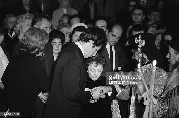 The Marriage Edith Piaf And Theo Sarapo Le mariage de Edith PIAF et Théo SARAPO à l''église orthodoxe de la rue Bizet à Paris Théo passant l'alliance...