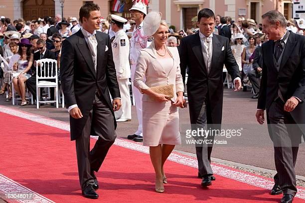 The Marriage Of Prince Albert With Charlene Wittstock Monaco 2 juillet 2011 La cérémonie religieuse arrivée de Lynette Gareth et Sean WITTSTOCK la...