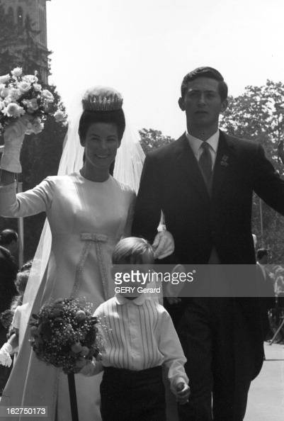 The Marriage Of Prince HansAdam Of Liechtenstein With Mary Kinsky Von Wchinitz Und Tettau Le 30 juillet 1967 Lors de leur mariage le prince HANSADAM...