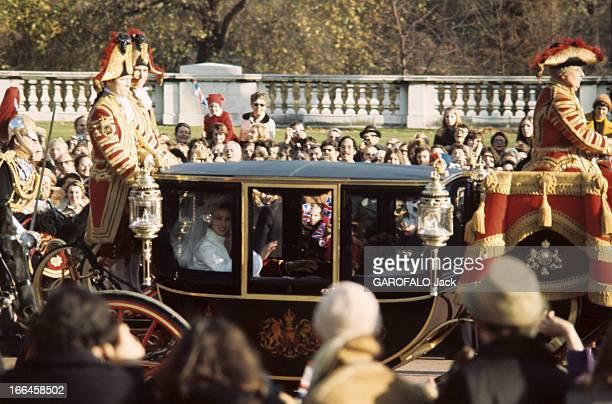 The Marriage Of Princess Anne Of England With Mark Phillips Londres 14 décembre 1973 Le carrosse transportant la princesse ANNE D'ANGLETERRE et son...