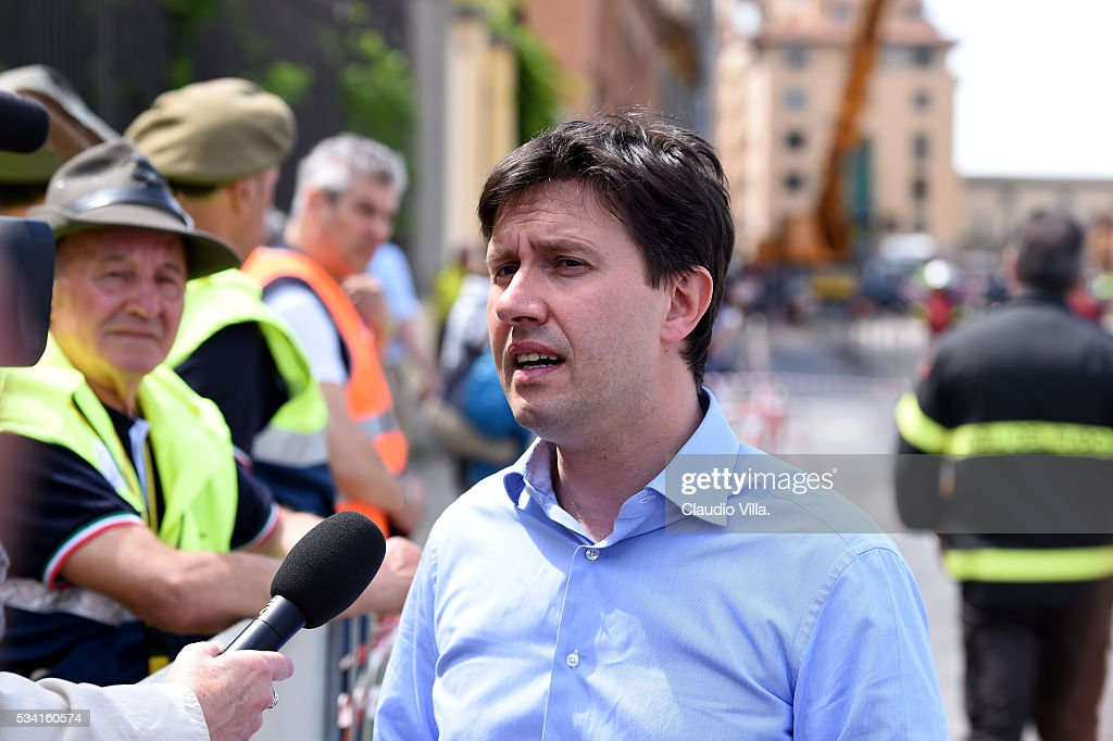 The Mayor of Florence Dario Nardella speaks with the media on May 25, 2016 in Florence, Italy. The deterioration of one or more water pipe opened a 200 m wide and 7m deep long hole on Wednesday morning along the Arno river bank near to the famous Ponte Vecchio bridge.