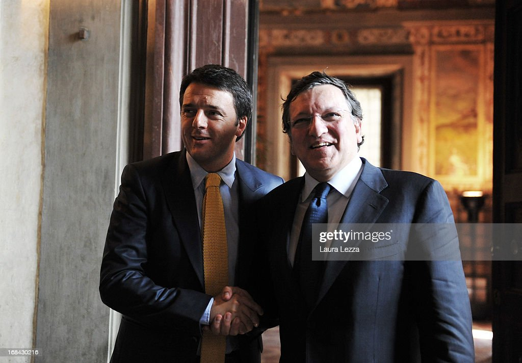 The Mayor of Florence Mattero Renzi (L) and the President of the European Commission <a gi-track='captionPersonalityLinkClicked' href=/galleries/search?phrase=Jos%C3%A9+Manuel+Barroso&family=editorial&specificpeople=551196 ng-click='$event.stopPropagation()'>José Manuel Barroso</a> (R) pose for the media during The State of Union conference on May 9, 2013 in Florence, Italy. Academic, business and political leaders are taking part in the annual conference which lasts through May 10th, debating various EU policies and institutions.