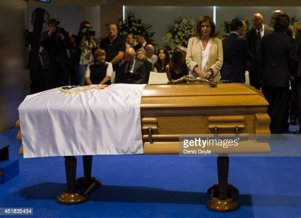 The Mayor of Madrid Ana Botella pays her respects during the wake for former Real Madrid great Alfredo Di Stefano at the Santiago Bernabeu stadium on...