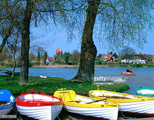 The Meare Thorpeness Suffolk The Meare at Thorpeness is an artificial boating lake It is the venue for the popular annual Thorpeness Regatta held in...