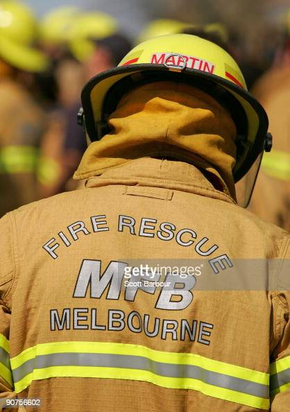 how to become a fireman in melbourne
