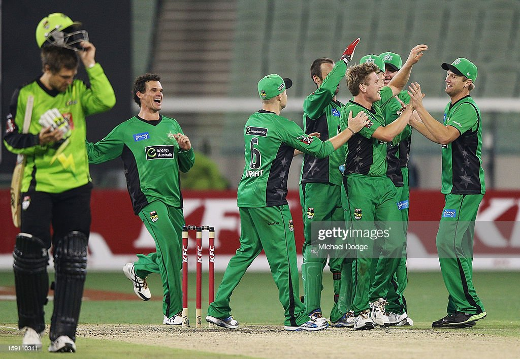 The Melbourne Stars players celebrate their win during the Big Bash League match between the Melbourne Stars and the Sydney Thunder at Melbourne Cricket Ground on January 8, 2013 in Melbourne, Australia.