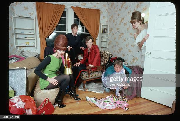 The members of the new wave band the B52s pose in a bedroom From left to right Kate Pierson Keith Strickland Fred Schneider Ricky Wilson and Cindy...
