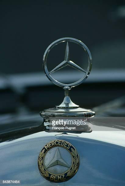 The Mercedes Benz emblem