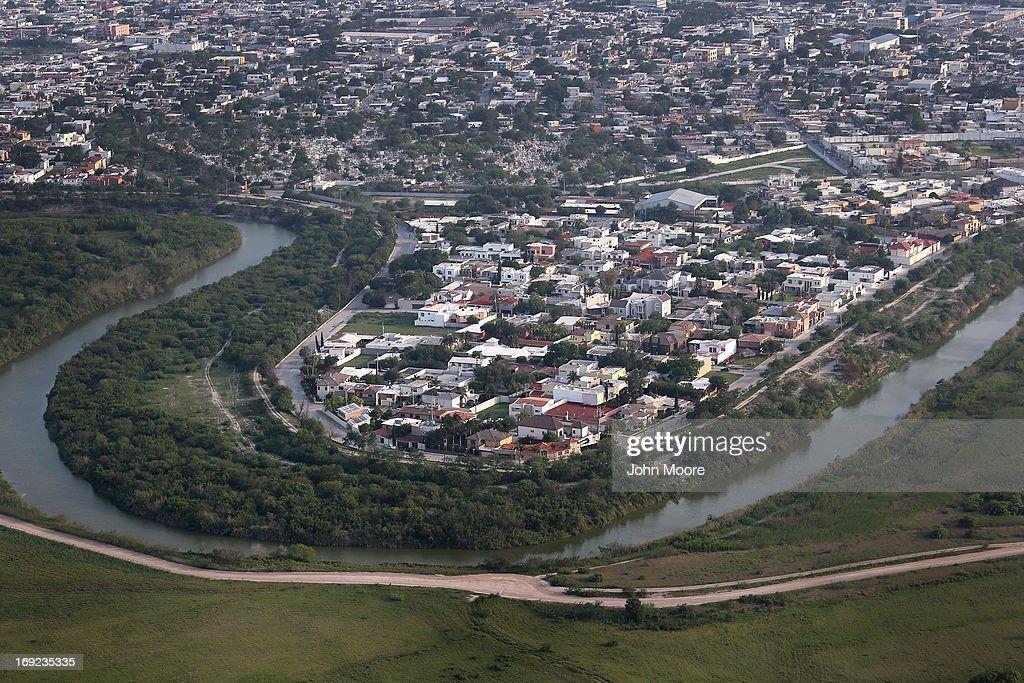 Aerial Views Of The USMexico Border On The Rio Grande Photos - Aerial maps over mexican us border