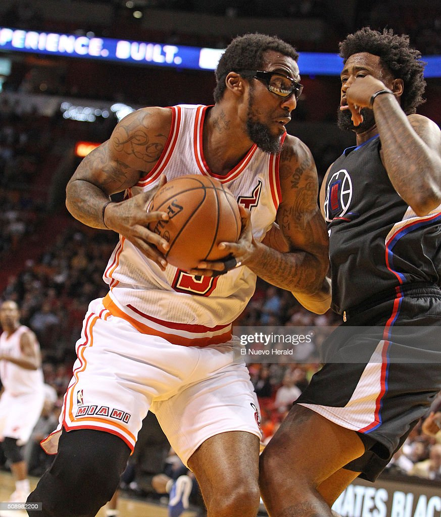 The Miami Heat's Amar'e Stoudemire, left, drives against the Los Angeles Clippers' DeAndre Jordan in the second quarter at the AmericanAirlines Arena in Miami on Sunday, Feb. 7, 2016. The Clippers won, 100-93.