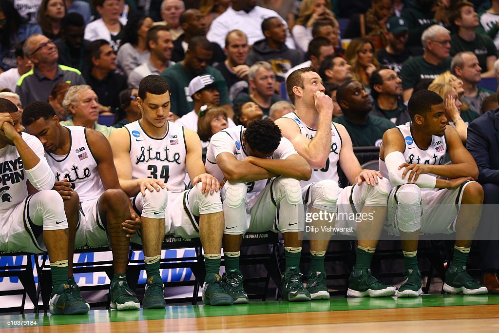 The Michigan State Spartans bench looks on late in the game against the Middle Tennessee Blue Raiders during the first round of the 2016 NCAA Men's...