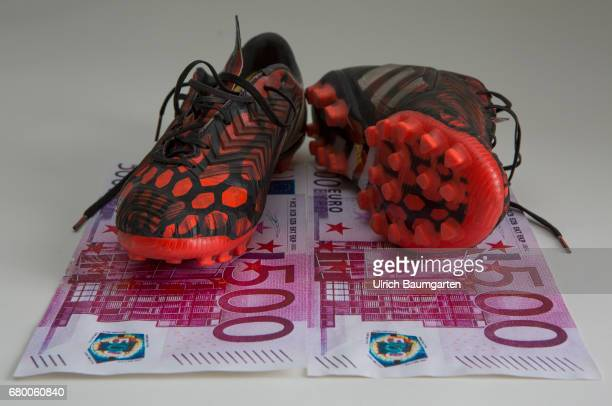 The million game Soccer players on the world market Symbol phote on the topics transfer fees premiums player transfers etc The photo shows 500 euro...