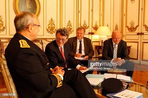 The Minister Of Ecology Jeanlouis Borloo Bordeaux mardi 28 septembre 2010 JeanLouis BORLOO ministre de l'Ecologie de l'Energie du Développement...